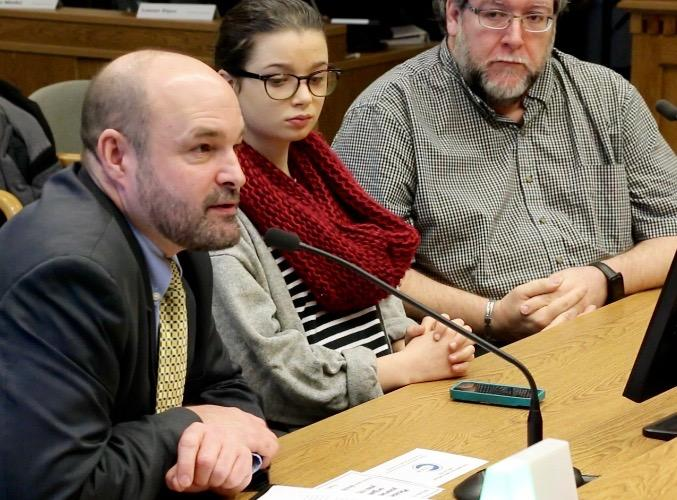 The+Student+Press+Law+Center%27s+Mike+Hiestand+speaks+during+a+hearing+on+the+bill+last+month.